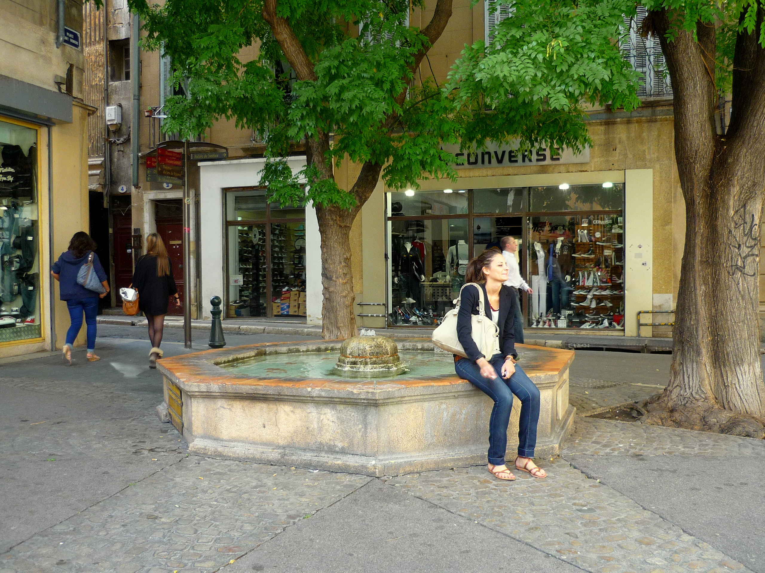 Notre visite d 39 aix en provence french moments blog - Bus aix en provence salon de provence ...