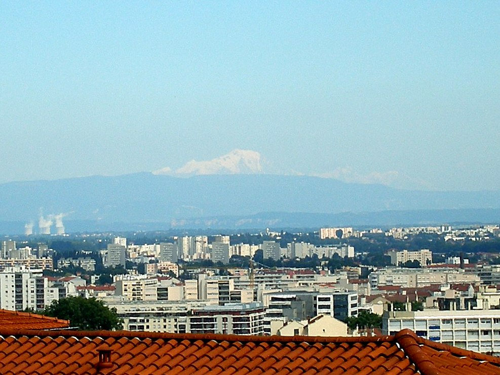 Mont-Blanc from Lyon © David Olivier - licence [CC BY 3.0] from Wikimedia Commons
