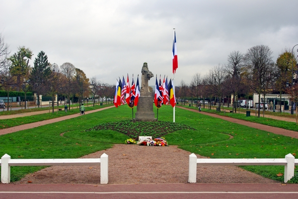 Site de la Cérémonie de l'Armistice à Maisons-Laffitte © French Moments