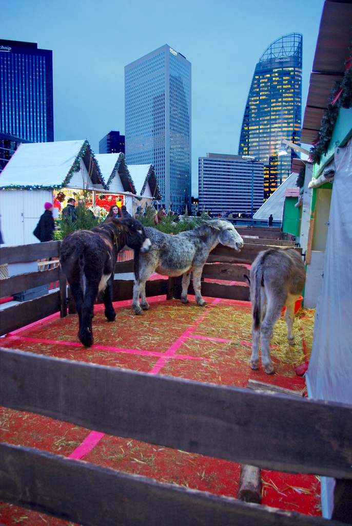 La ménagerie de noël de la Défense © French Moments