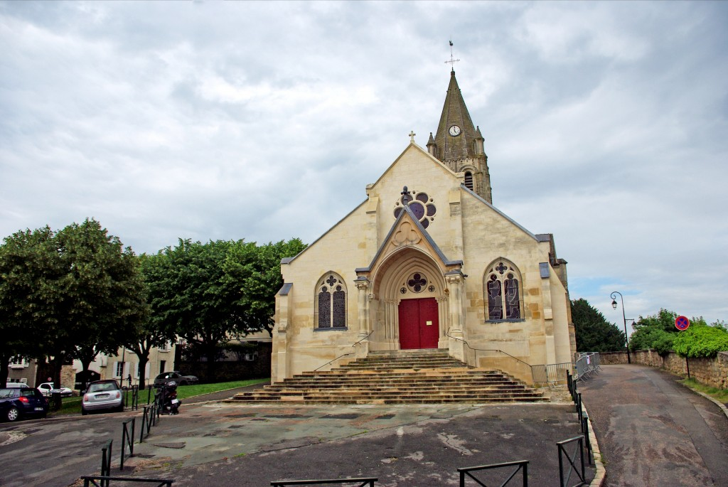 L'église Saint-Maclou de Conflans-Sainte-Honorine © French Moments