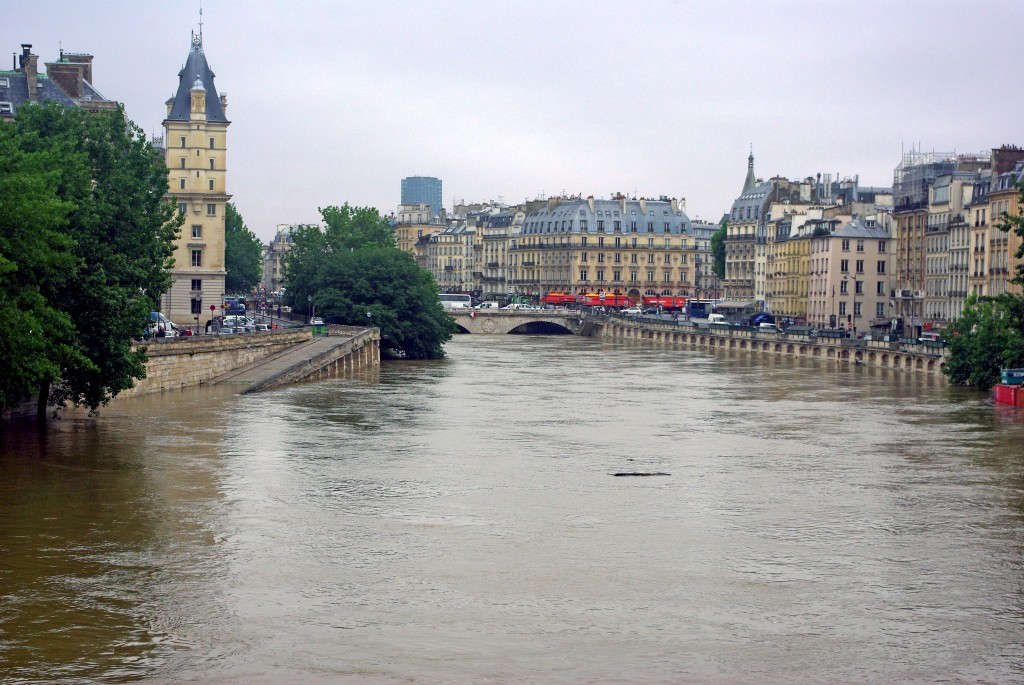 From Pont Neuf Paris Floods June 2016 18 copyright French Moments