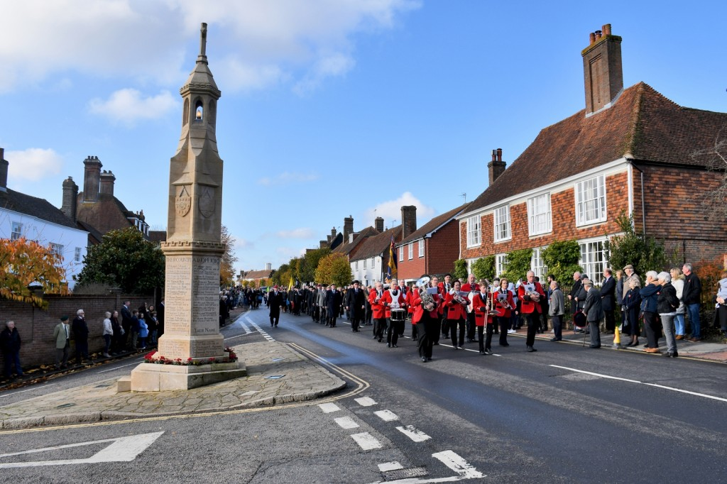 Burwash War Memorial © French Moments