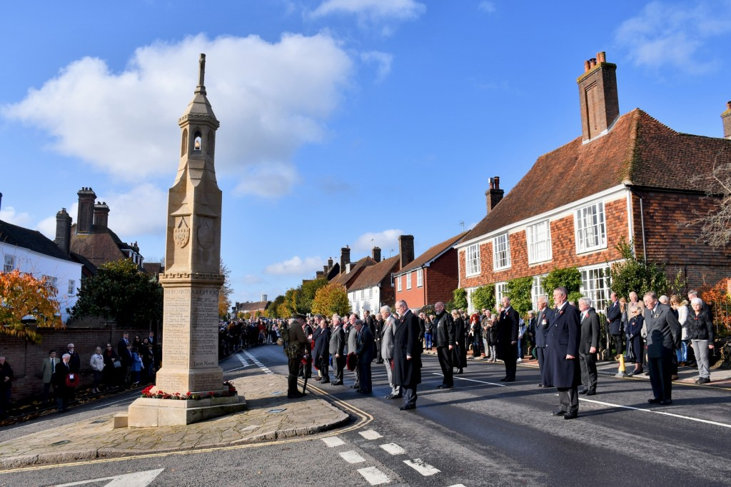 Remembrance Day à Burwash, East Sussex © French Moments