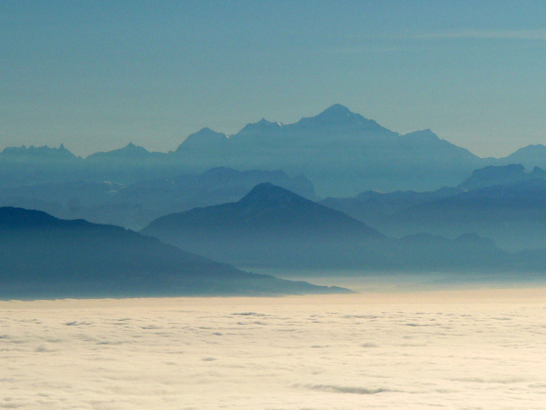 Mont-Blanc from Col de la Faucille © Damien Boilley - licence [CC BY 2.0] from Wikimedia Commons
