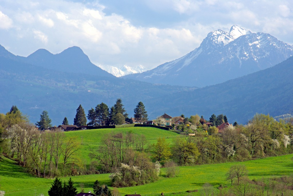 Les Alpes d'Annecy vues d'Argonay © French Moments